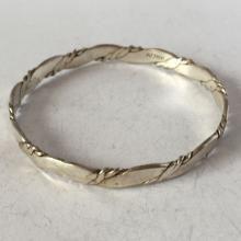 Vintage sterling silver bangle bracelet, length 8