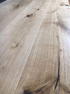 Una sensazione #soft #touch. Parquet Barolo in #rovere naturale, effetto #piallato #vissuto dal tempo #megtrading Refinishing Hardwood Floors, Wooden Flooring, Floor Design, House Design, Doors And Floors, Wood Look Tile, Interior Decorating, Interior Design, Industrial Style