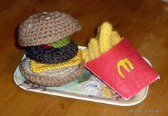 FREE PATTERN ~ C ~ WRITTEN IN FRENCH ~ FRENCH FRIES ~ Do you have potatoes? I have fried ... crochet!
