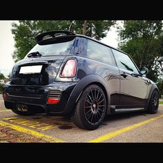"""""""These are the #Superturismo #GT - #Matt #Black + #Red Lettering of one of our #friends! How do they look on this @Mini #Cooper? #OZWheels #Wheels…"""""""