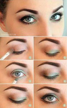 maquillaje de ojos en verde y marron