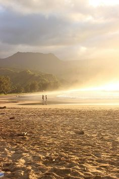 Hanalei Bay in Kauai  The Big Trip: Month Four Round Up via The World on my Necklace