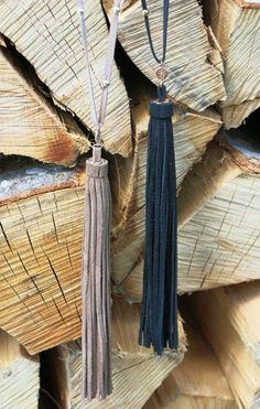Colliers : Sautoir Pompon Noir