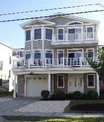 1000 images about beach house on pinterest beach houses for Three story beach house