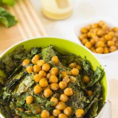 Crunchy Kale & Chickpea Salad with Lemon Poppyseed Dressing is a quick & easy to make meal that packs tons of flavour & nutrients! #vegan #chickpea #kale #salad #vegetarian #healthy