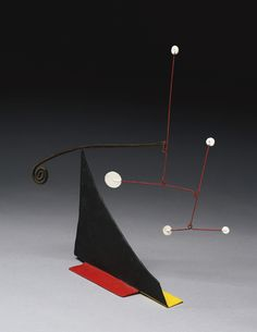 Painted sheet metal, brass + wire standing mobile, 11 x x Alexander Calder Art Sculpture, Abstract Sculpture, Alexandre Calder, Modern Art, Contemporary Art, Kinetic Art, Whitney Museum, Art And Architecture, Colour Inspiration