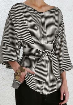 Loose Ball sleeve in Black and White stripes and a m… Fashion Fall Style Blouse. Loose ball in black and white stripes on a tight black skirt. Trendy Dresses, Tight Dresses, Mode Outfits, Casual Outfits, Skirt Fashion, Fashion Outfits, Fashion Ideas, Mode Top, Mode Hijab