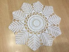 Tuto, nappe, tapis au crochet - YouTube Youtube Crochet, Lidia Crochet Tricot, Crochet Mandala, Shawls And Wraps, Creations, Make It Yourself, Lace, Recherche Google, Centre