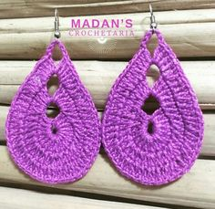 Adorei esse brinco show Thread Crochet, Crochet Hooks, Crochet Crafts, Crochet Stitches, Crochet Patterns, Knit Crochet, Crochet Earrings Pattern, Crochet Bracelet, Quilling Jewelry