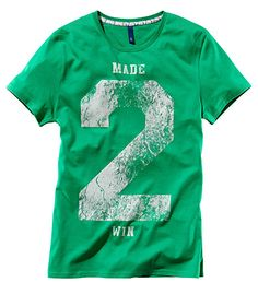 made 2 win large varsity number graphic tee
