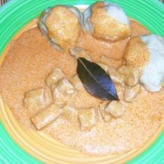 Savanyú hús krumpligombóccal Hummus, Chicken, Meat, Ethnic Recipes, Food, Essen, Meals, Yemek, Eten