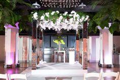 Power House Wedding: Mirror chuppahs are making a comeback
