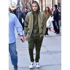Zayn Malik Masters the New Neutral Every Guy Should Be Wearing ❤ liked on Polyvore featuring one direction and zayn