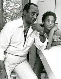 Good to see father and daughter together. Now they are both together again and may they both RIP.