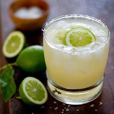 The famous NorCal Margarita made popular by @dasrobbwolf  2oz Tequila Juice of 1 lime Top off with club soda  #friday #drinkresponsibly