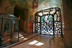 """La Casa Mila of Antoni Gaudi - """" La Pedrera"""" - Barcelona Art Nouveau Architecture, Beautiful Architecture, Beautiful Buildings, Architecture Design, La Pedrera, Art Deco Bathroom, Barcelona Catalonia, Art Nouveau Design, Design Art"""