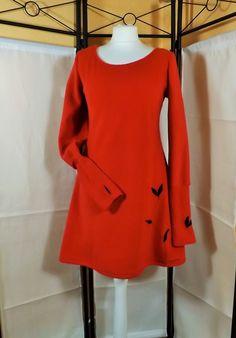 """Robe """" Hela """" manches mitaines un brin féerie en polaire rouge avec feuillage Sanlivine : Robe par sanlivine"""