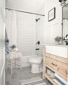 27 Popular Small Farmhouse Bathroom Decor Ideas And Remodel. If you are looking for Small Farmhouse Bathroom Decor Ideas And Remodel, You come to the right place. Below are the Small Farmhouse Bathro. Bathroom Renos, Bathroom Flooring, Bathroom Interior, Modern Bathroom, Bathroom Ideas, Bathroom Organization, Small Full Bathroom, Natural Bathroom, Bathroom Makeovers