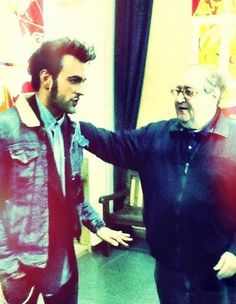 Backstage servizio #sorrisi @mengonimarco con il collega @doreciakgulp (Mollica) #sanremo2013  Fonte: a Conti fatti .