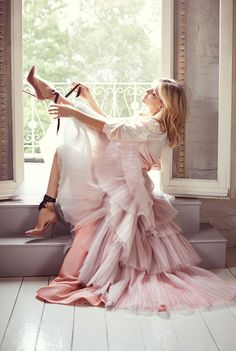 """Kate Hudson has joined forces with leading designer shoe label Jimmy Choo in their latest campaign. """"I would say that my style sort of depends on my mood, but comfort is definitely the common denominator, which means a lot of pieces that are flowy and light,"""" Hudson said."""