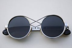 vintage round silver metal sunglasses retro Steampunk Hi Tek unusual bridge