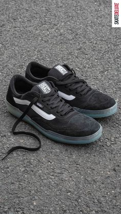 Available now in the two colorways Covert Green and Black White Skate Shoe Brands, Skate Shoes, Anthony Van Engelen, New Skate, Shoe Releases, Converse, Vans, Nike Sb, Skateboard