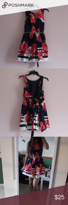 A&F Floral Dress Has a zipper in the back and and open back. NEVER worn–brand new! Abercrombie & Fitch Dresses Mini