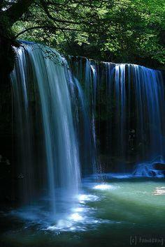 Nabegataki Falls, Kumamoto, Japan.  ♥♥