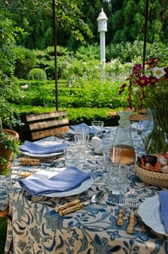 Aerin Lauder's outdoor table tablecloth AERIN for Lee Jofa