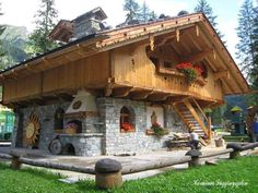 50 WOOD House Design Interior and Exterior Creative Ideas 2016 Tiny House Cabin, Log Cabin Homes, Cabins In The Woods, House In The Woods, Wood House Design, Tree House Plans, Cabins And Cottages, Small Cabins, Stone Houses