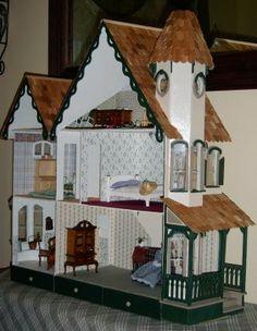 McKinley Wallhouse Dollhouse