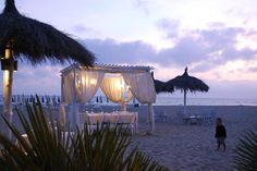 Wedding ceremony directly on the beach