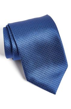 Free shipping and returns on David Donahue Solid Silk Tie at Nordstrom.com. A rich texture elevates a sleek, well-colored tie cut from pure silk.