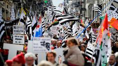 Thousands rally for France's Brittany reunion and greater autonomy - RT #FranceRally, #Brittany