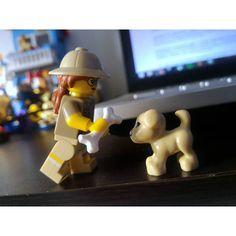 Toma amiguito #lego #legos #legostagram #legophoto #legophotography #dog #instapet #pet #bone #asus #pc #archeology #toy #toyslagram #toyphoto #toyphotography #bricknetwork #brickinside #brickcentral #woman #legominifigs #legominifigures #minifigura #minifigure #legominifigure by brickorder