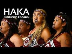 Every two years, Maori tribal performers from around New Zealand and Australia come together to showcase their impressive moves and elaborate costumes at the National Kapa Haka Festival. Maori Tattoos, Maori Face Tattoo, Samoan Tattoo, Neck Tattoos, Sleeve Tattoos, Polynesian Dance, Polynesian People, Polynesian Tattoos, Tatto Mauri