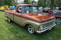 1964 Ford F-100 Pickup Truck (4 of 8)