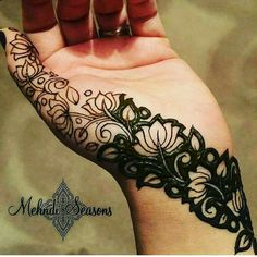 Hina, hina or of any other mehandi designs you want to for your or any other all designs you can see on this page. modern, and mehndi designs Floral Henna Designs, Finger Henna Designs, Modern Mehndi Designs, Mehndi Design Pictures, Wedding Mehndi Designs, Mehndi Designs For Fingers, Dulhan Mehndi Designs, Beautiful Henna Designs, Henna Tattoo Designs