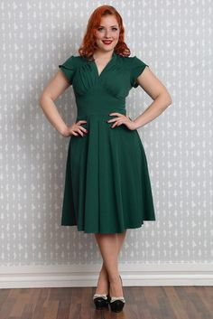 Claudette-Kathy - The signature Miss Candyfloss dress Curvy Outfits, Woman Outfits, Portraits, Street Style Looks, Mannequin, My Wardrobe, Latest Fashion Trends, Fit And Flare, Clothes For Women