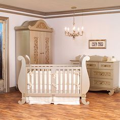 Chelsea Sleigh Crib in Antique Silver from PoshTots