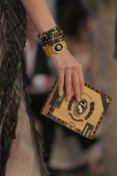 Chanel. Alice DellalFashion Handbags2017 HandbagsCoco ChanelChanel  BagsChanel CubaChanel ClutchChanel HandbagsChanel Cruise 2016 dcd96900039be