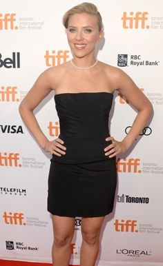 Nice LBD. Well done, Scarjo. Well done. Loving the pearls as well :)