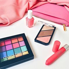New blog post on this coral makeup edit - perfect for spring and summer!