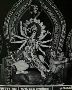 my fav goddess<<Jai maa durga Durga Maa, Durga Goddess, Happy Ganesh Chaturthi Images, Mata Rani, Lord Ganesha Paintings, Om Namah Shivay, Digital Art Fantasy, Mother Goddess, Religious Images
