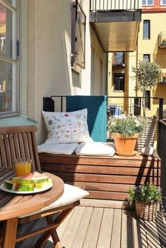 Majestic 17 Amazing Balcony Decoration Ideas That Look More Comfort Amazing balcony decorating ideas will certainly be liked by everyone. Many people want a perfect home balcony, with elegant decoration, but many also . Narrow Balcony, Small Balcony Design, Small Balcony Garden, Small Balcony Decor, Small Terrace, Outdoor Balcony, Balcony Bench, Small Balconies, Balcony Ideas