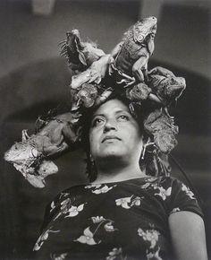 Graciela Iturbide, Nuestra Señora de las Iguanas. Juchitán. México. 1979. «Rafael Ortiz» gallery
