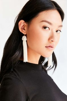 Vanessa Mooney Astrid Knotted Tassel Earring - Urban Outfitters