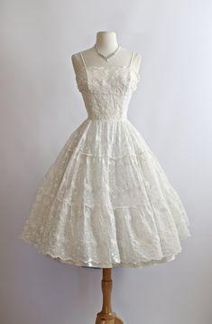 Vintage 1950s Wedding Dress 50s Eyelet Lace by xtabayvintage