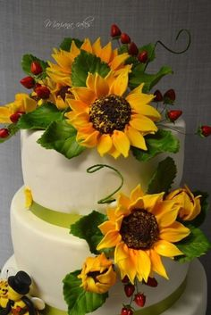 This polka dot sunflower wedding cake is so cute More great