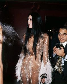 Met Gala, Cher I couldn't wait for sunday night to see what she would be wearing on her show! Big Fashion, Fashion Week, Look Fashion, Vintage Fashion, Ladies Fashion, Studio 54 Fashion, Disco Fashion, Fashion Trends, Women's Fashion
